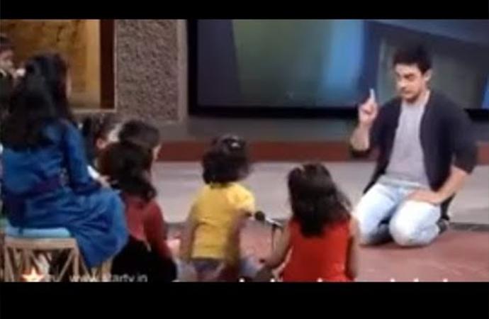 Aamir Khan'dan harika bir anlatım: Çocuklar cinsel istismara karşı kendilerini korumalı?