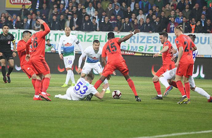 Çaykur Rizespor-Beşiktaş maçında gol yağmuru!