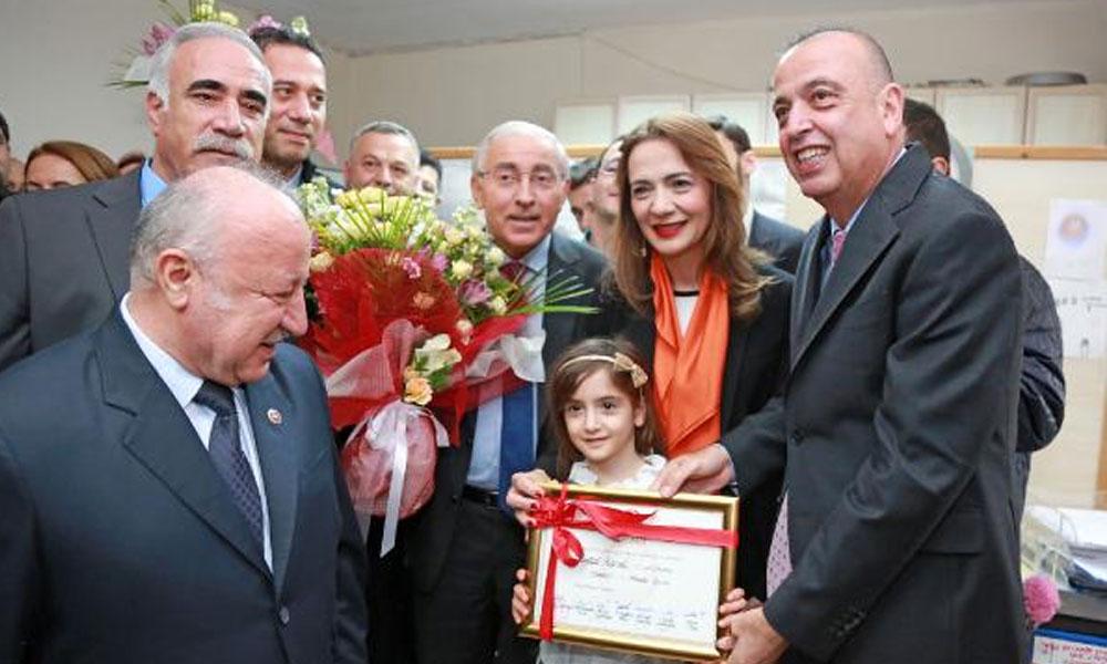 Ataşehir Belediye Başkan Adayı Battal İlgezdi, mazbatasını aldı