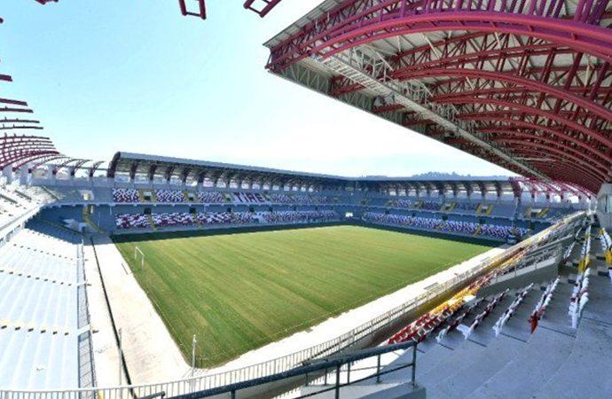 Romanya'da tüm maçlar seyircisiz oynanacak