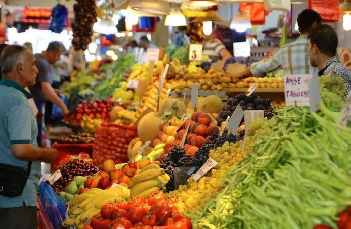 TÜİK yine şaşırtmadı: Çarşı pazar el yakıyor ama enflasyon düşük!
