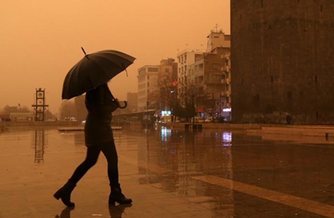 Sel uyarısı yapıldı! Meteoroloji'den 10 ile kuvvetli yağış uyarısı