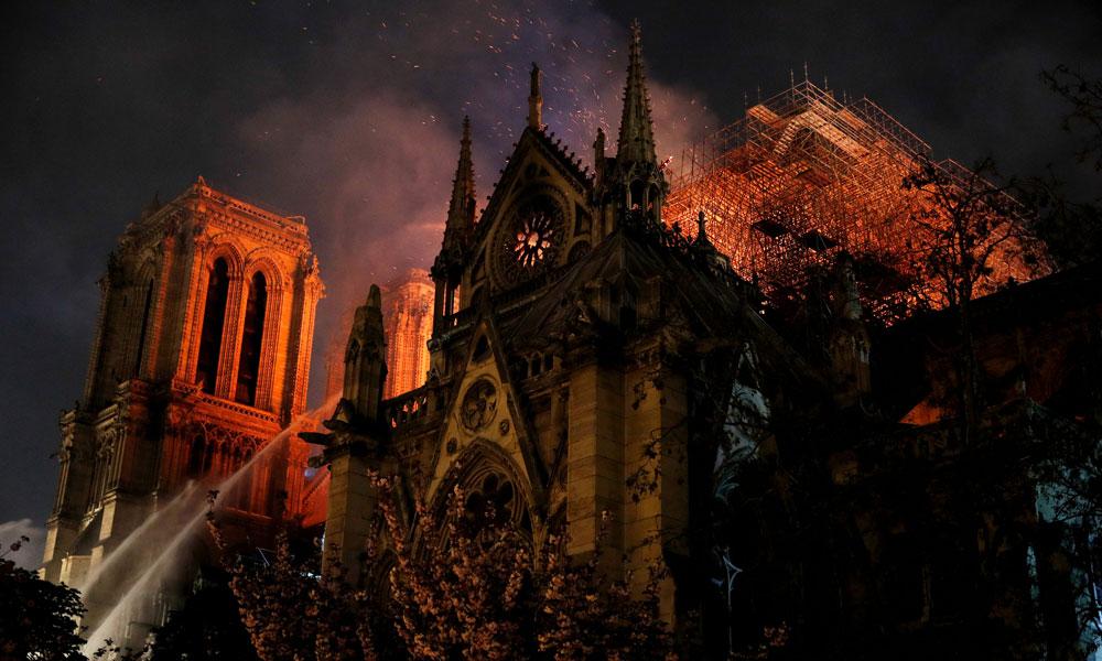 Notre Dame Katedrali'ne bağış yapanlara vergi indirimi