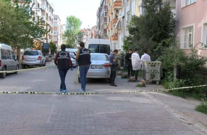 Bakırköy'de bıçaklı saldırıya uğrayan esnaf öldü
