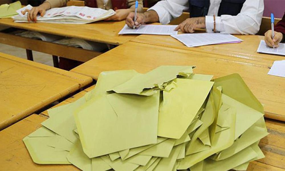 """Zarfların üzerinde """"Milletvekilleri Seçimi"""" yazmasına ilişkin sorun çözüldü"""