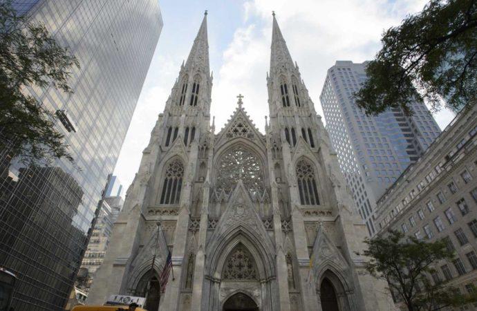 ABD'nin ünlü katedralinde saldırı paniği