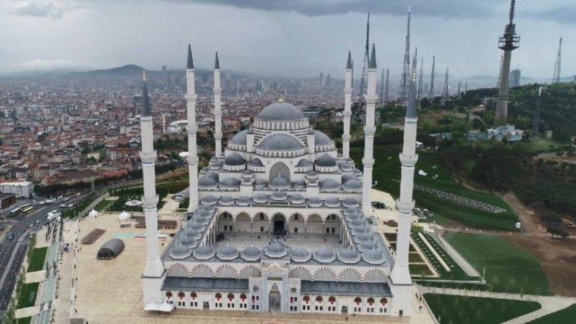 Çamlıca Camisi'nin açılışına ders saatinde öğrenci taşıdılar!