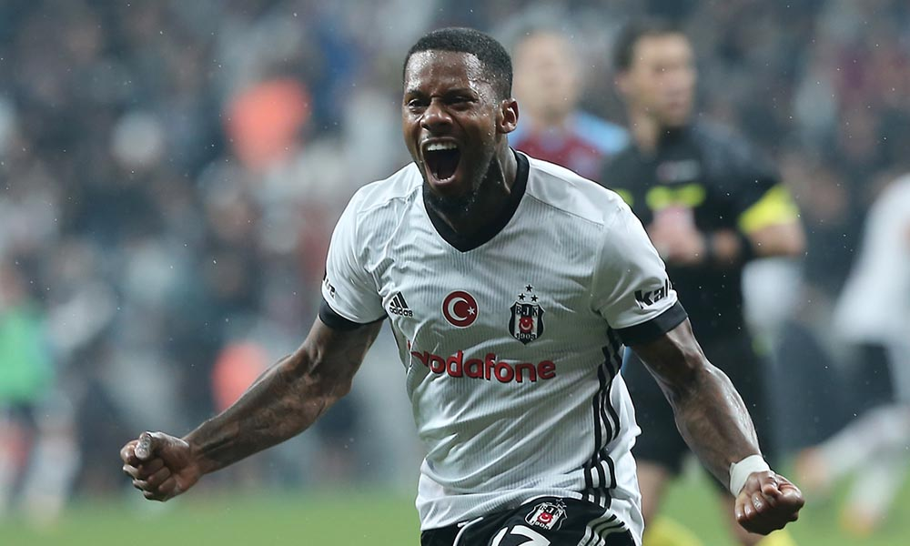 Beşiktaş'ta Lens'in durumu tartışılıyor