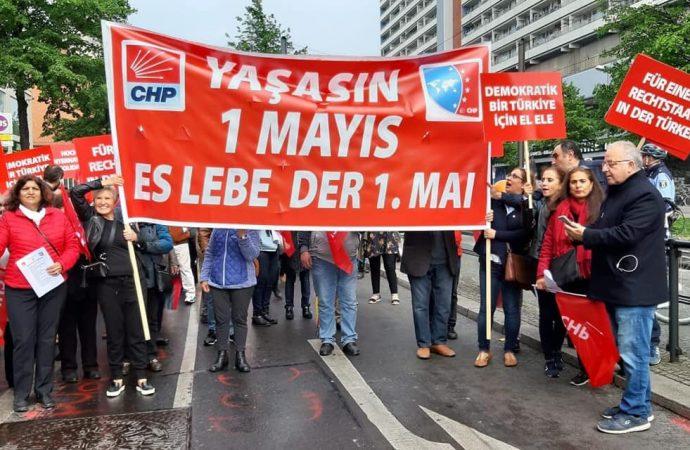 Almanya'da Alman Sendikalar Birliği'nin öncülüğünde 1 Mayıs kutlandı