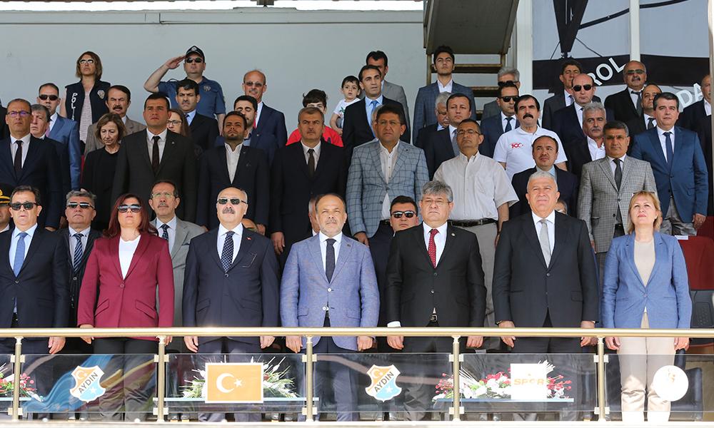 19 Mayıs'ta protokol krizi: Baro başkanı töreni terk etti