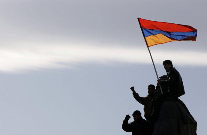 Ermenistan'da 'ikinci devrim' başlıyor! Başbakan 'sokağa çıkın' çağrısında bulundu