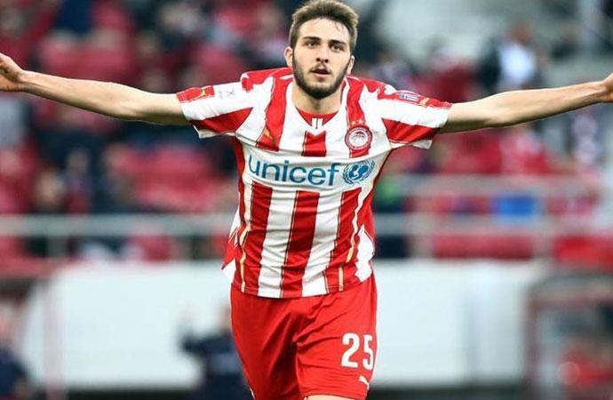 Fenerbahçe'de transfer harekatı: Gözler Yunan yıldızda