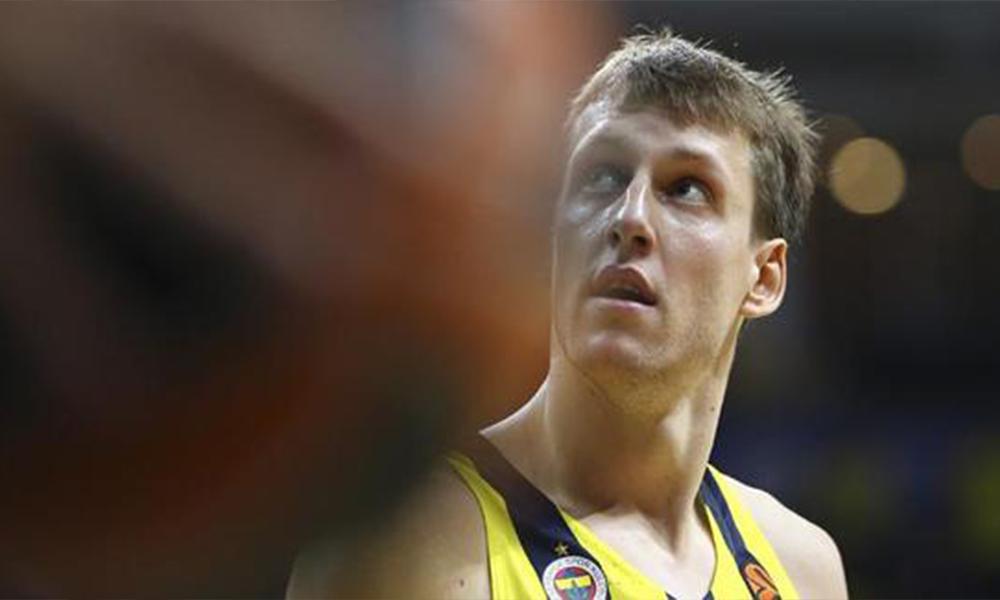 Fenerbahçe Beko'nun yıldız pivotu Vesely geri dönüyor