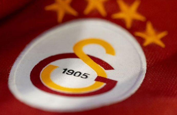 Galatasaraylı futbolcuları yoldan döndürdüler!