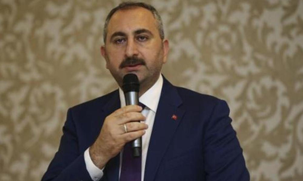 Adalet Bakanı Gül'den 'etek boyu tartışması' ile ilgili açıklama!