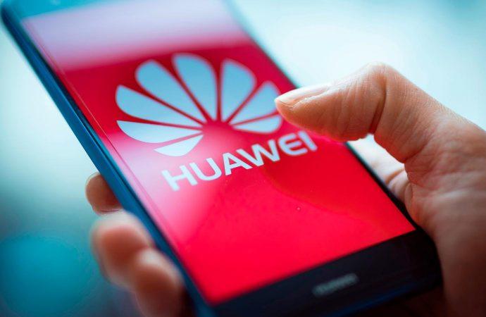 Huawei'den flaş Android kararı! 'Rakip olacak sistem yapmak yıllar sürecek'