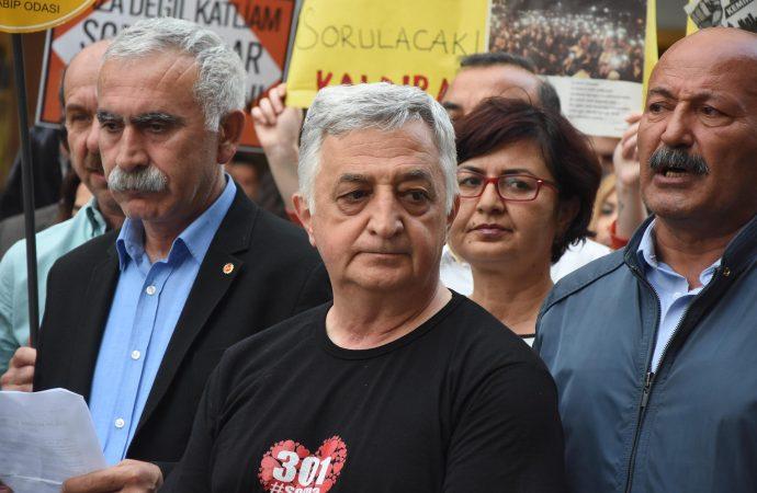 İzmir'de Soma eylemi: İnsanlık bir kez daha göçük altında kalmış oldu