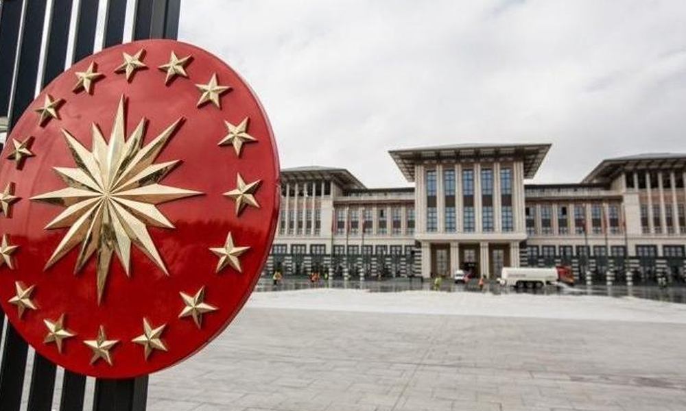 'Saray'da danışman skandalı! AKP'li başkan duyurdu