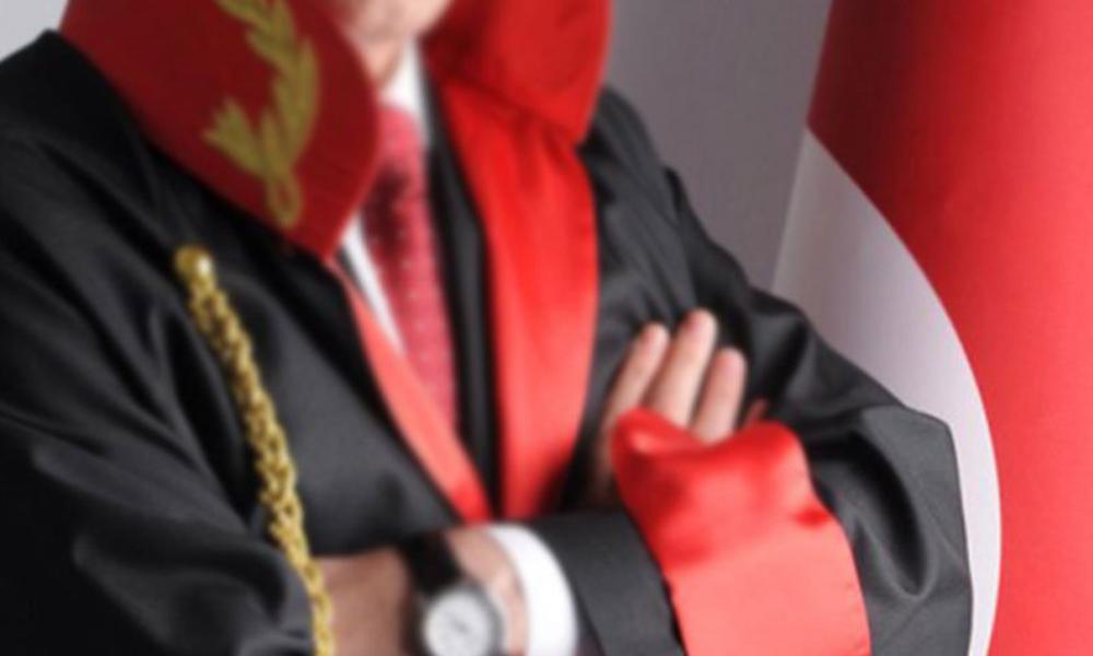 FETÖ'den kırmızı bültenle aranan eski savcı yakalandı