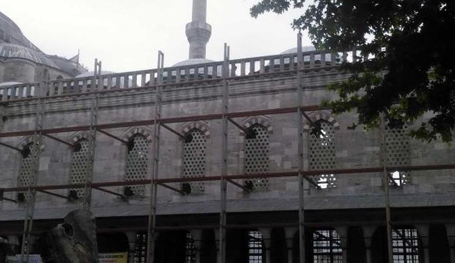 Restorasyon adı altında Sultanahmet Camii'nde neler oluyor? Büyük tepki yağdı