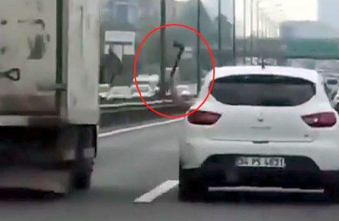 TEM Otoyolu'nda baltalı sürücü dehşet saçtı