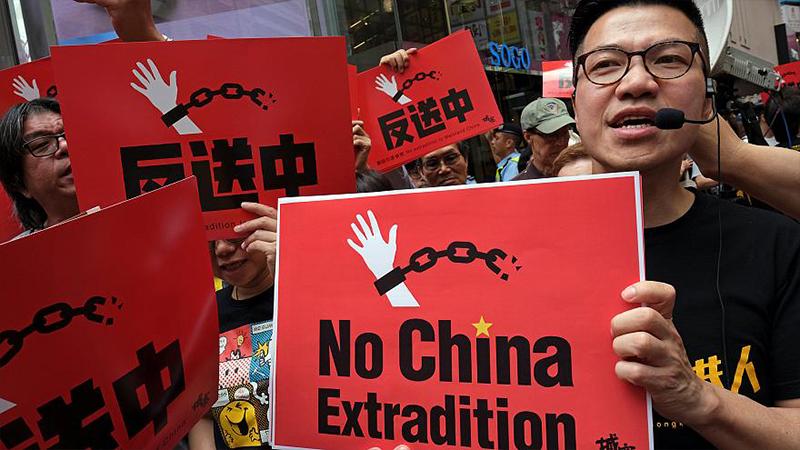 Protestolar başarılı oldu, Hong Kong'ta suçlular Çin'e iade edilmeyecek