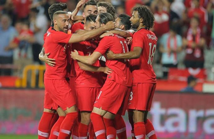 A Milli Takımımızdan üst üste gollerle gelen tarihi zafer!