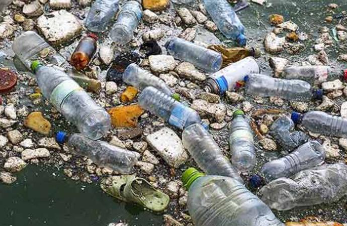 Akdeniz'de plastik atıklar en çok Türkiye ve İtalya kıyılarına vuruyor