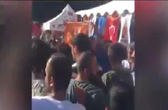 AKP'liler İyi Parti Demokrasi Çadırı'na saldırdı!
