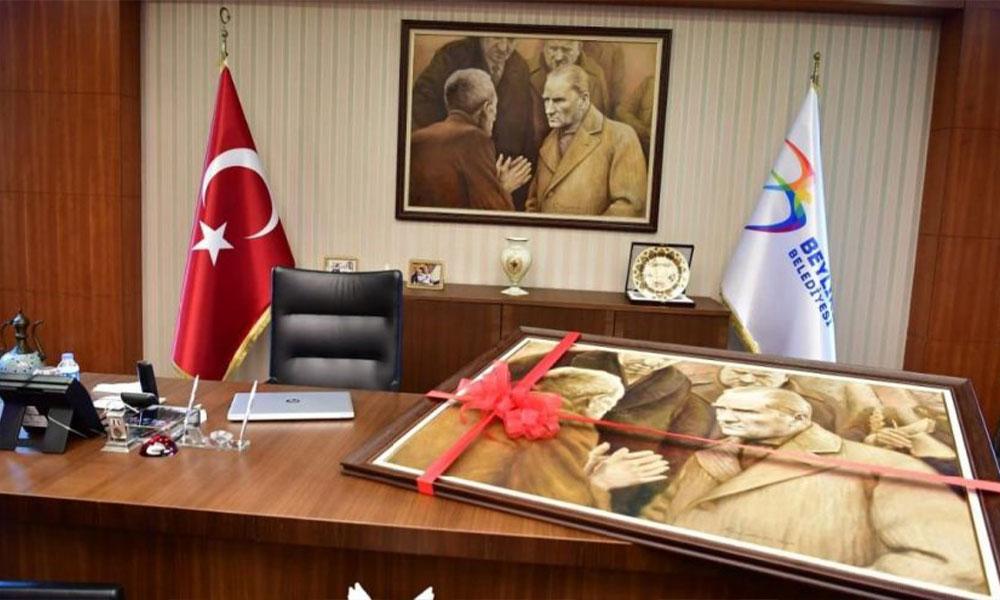 Atatürk tablosu Beylikdüzü'nden yola çıktı Saraçhane'ye gidiyor