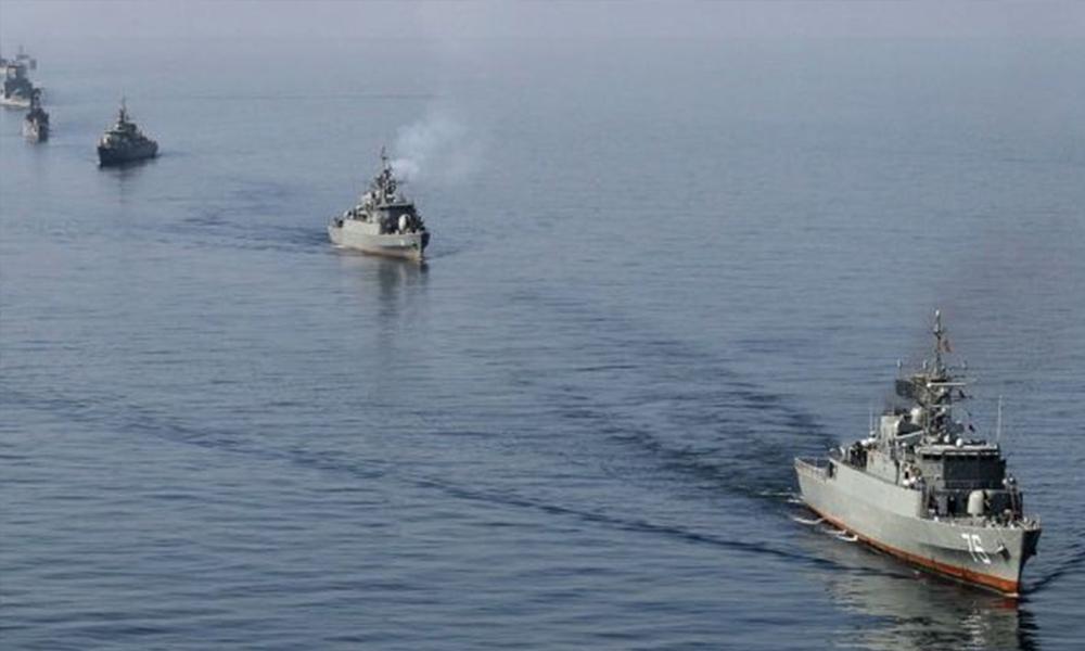Hürmüz Boğazı'nda üç petrol tankerinde patlama! İngiliz tankeri batıyor…