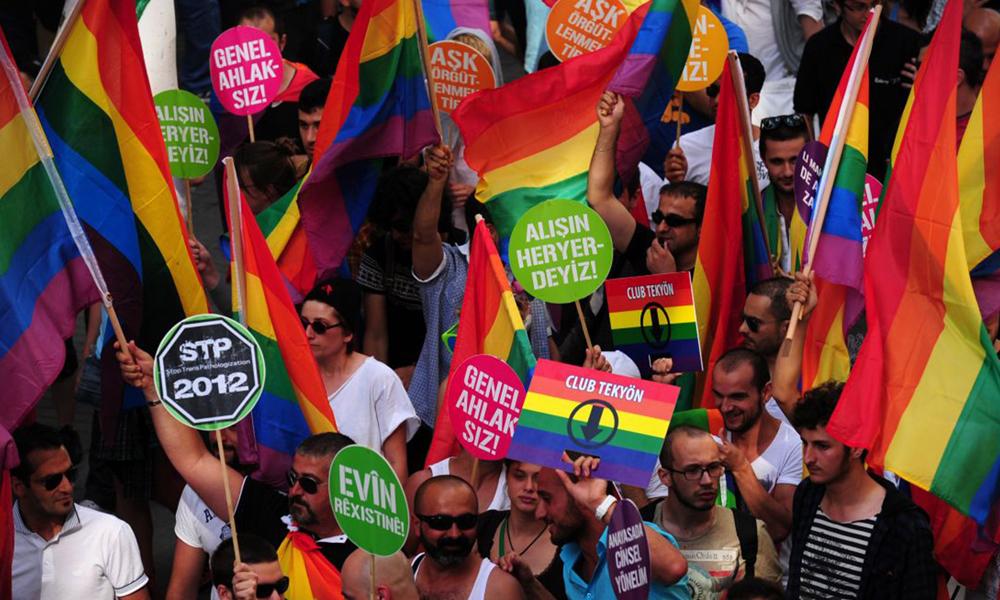 Genç LGBT'lerin mücadelesi sonuç verdi, İzmir'de yasak kalktı