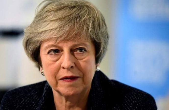 İngiltere Başbakanı Theresa May görevi bıraktı