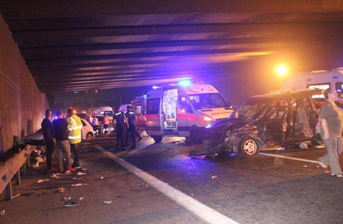 Trafik canavarı yine can aldı: 4 ölü 10 yaralı