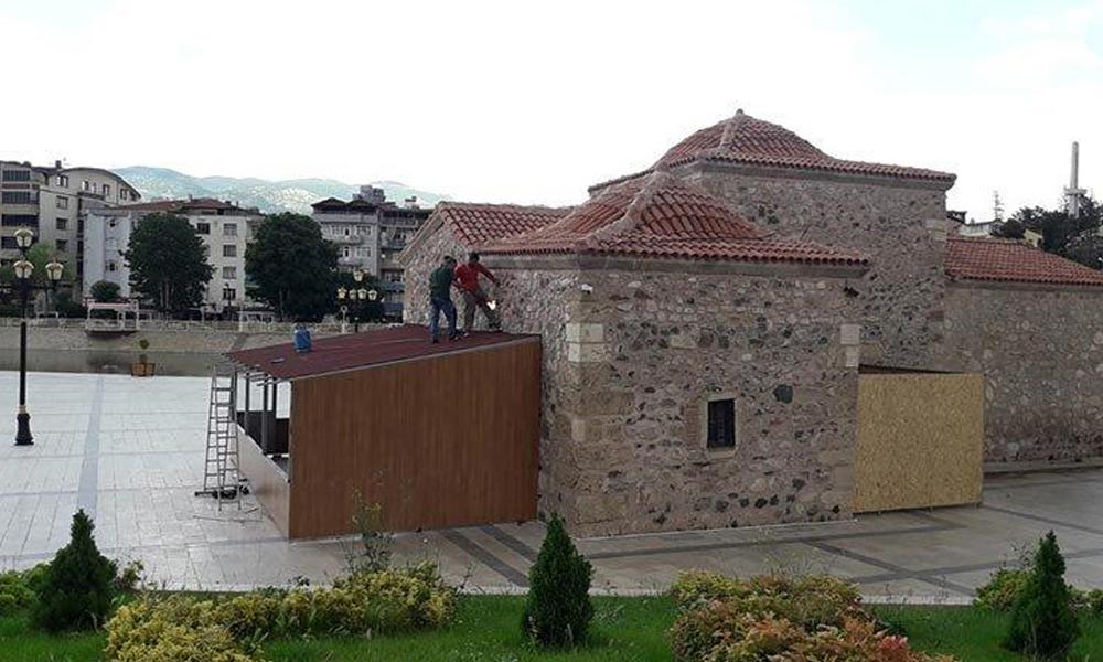 AKP'li belediye 800 yıllık tarihi millet kıraathanesi yaptı! Bir zamanlar dua ediliyordu, şimdi ücretsiz çay…