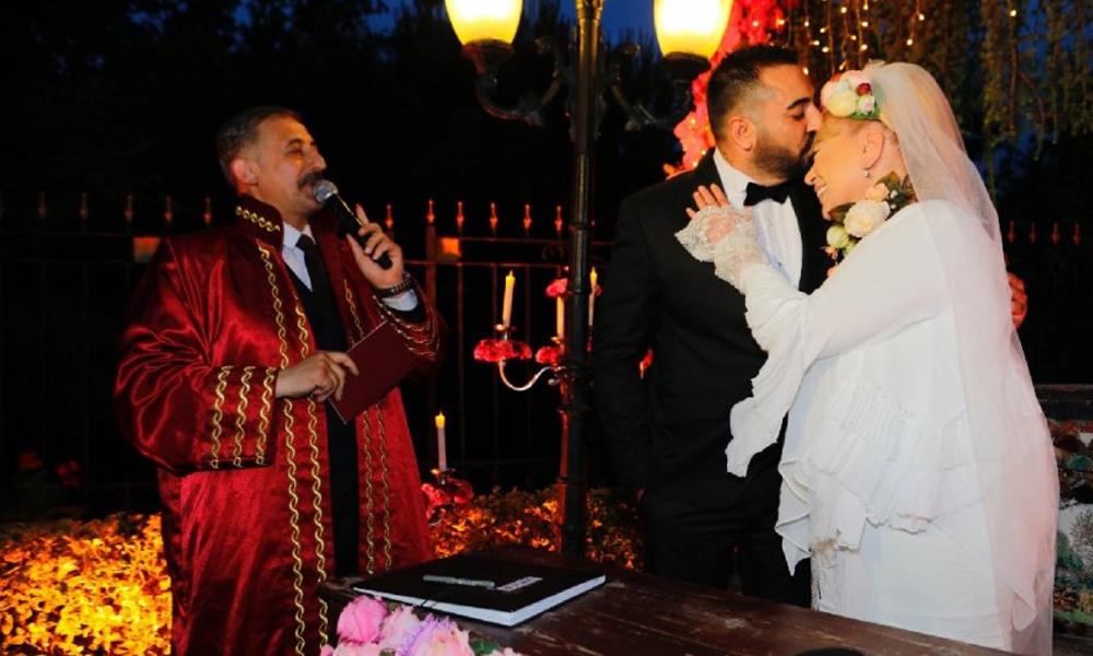Zerrin Özer'in evlendiği 27 yaş küçük eşi için 'üç kadını dolandırdı' iddiası! Bu sabah öğrendi…