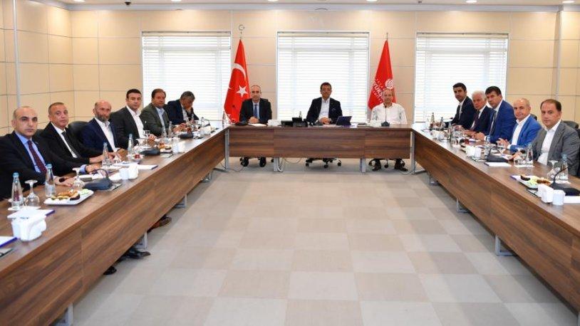 Emir son anda geldi! MHP'li ve AKP'li başkanlar toplantıya katılmadı, İmamoğlu isyan etti…
