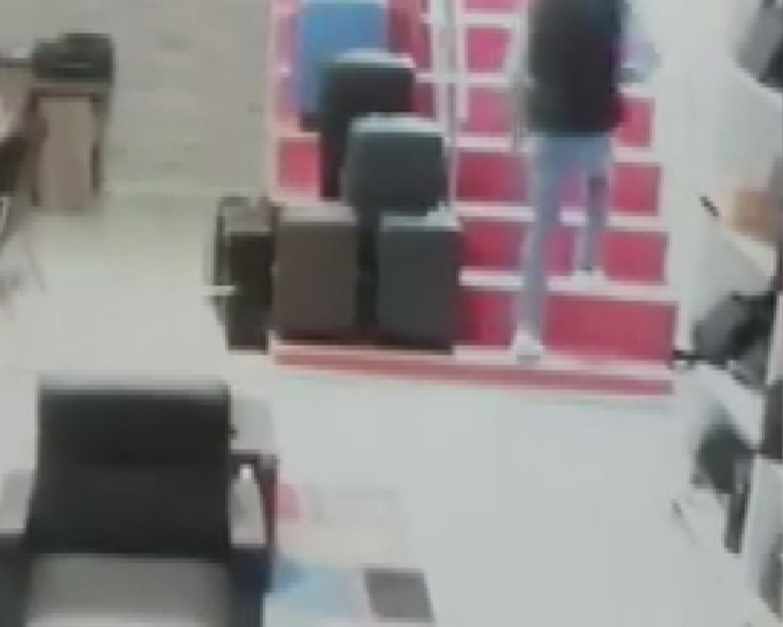 Muhasebeci olarak çalıştığı dükkandan 50 bin liralık dövizi böyle çaldı
