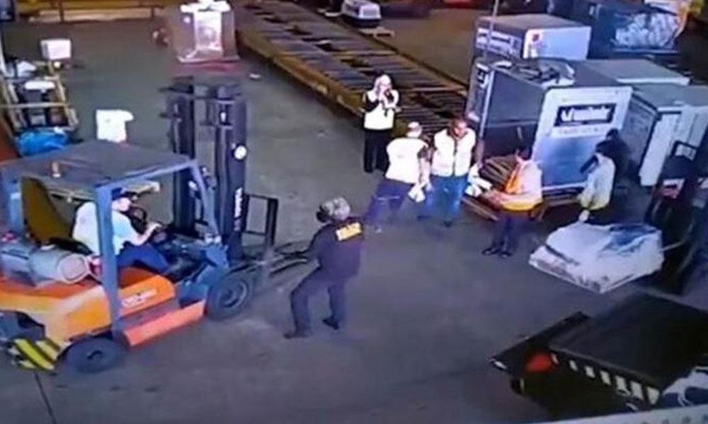 Sahte polis araçlarıyla gelip, milyonlarca dolarlık altını çalıp gittiler
