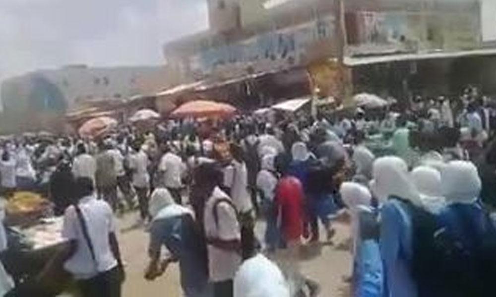 Sudan'da 'ekmek ve yakıt' protestosu yapan öğrencilere ateş açıldı