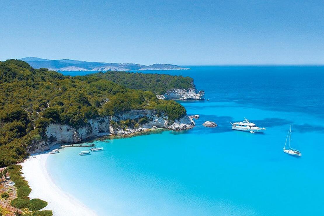 'Yunan adalarına bizim Kültür ve Turizm Bakanımızın şirketi bangır bangır tur pazarlıyor, bizim sahilleri kim pazarlayacak?'