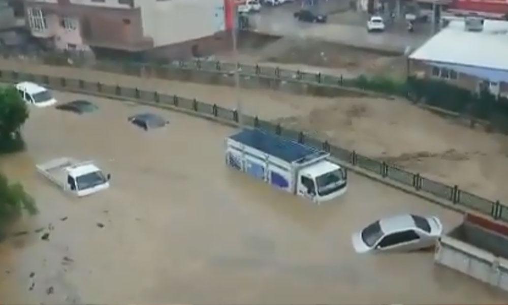 Düzce'deki sel felaketine ilişkin açıklama: '4'ü çocuk, 2'si kadın 7 kişi kayıp'