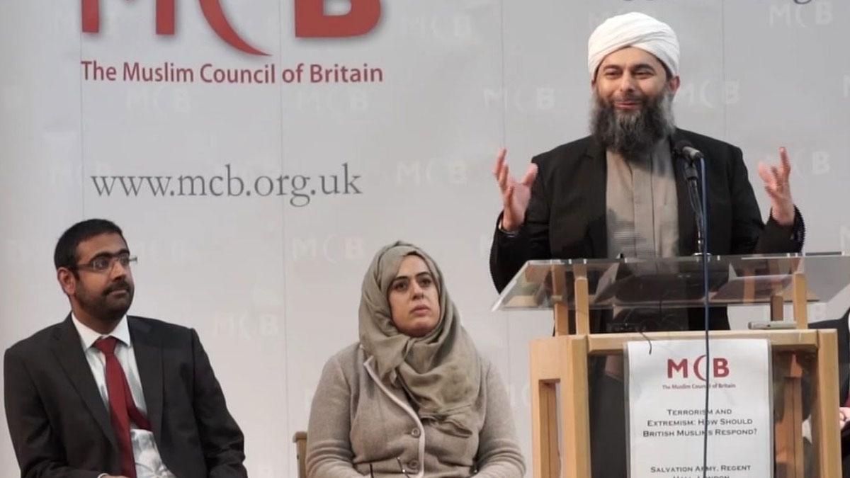İngiltere Müslüman Konseyi 'aşı caiz değil' dedi, aşılama sayısı düştü!