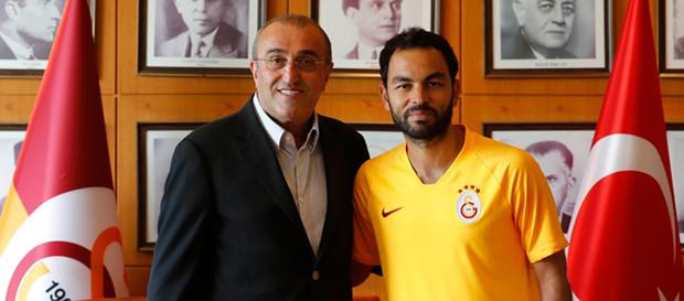 Galatasaray, Selçuk İnan ile sözleşmesini yeniledi