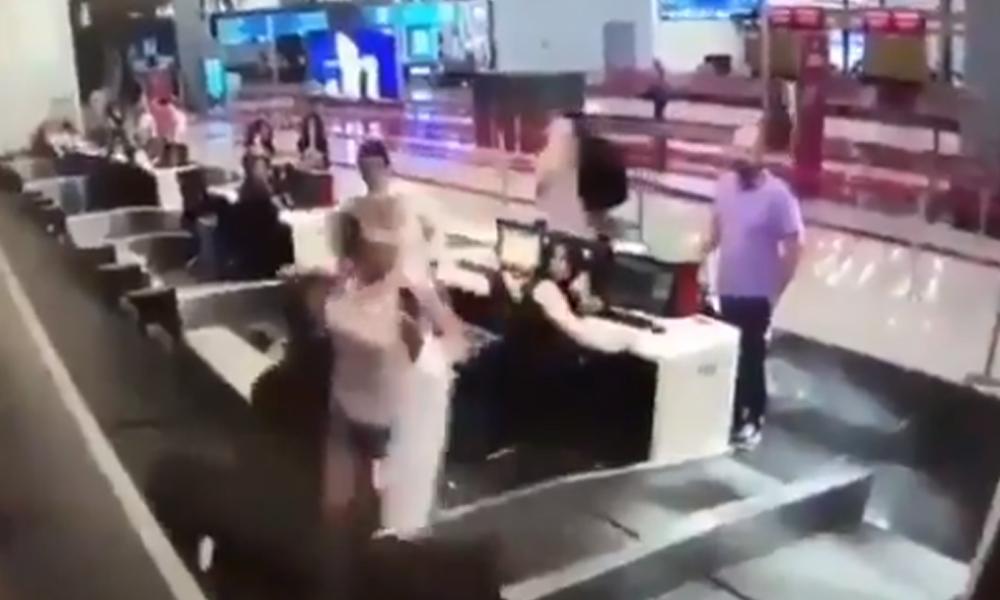İstanbul Havalimanı'nda bagaj bandına düşen kadın şaşkınlık yarattı! İşte o anlar…
