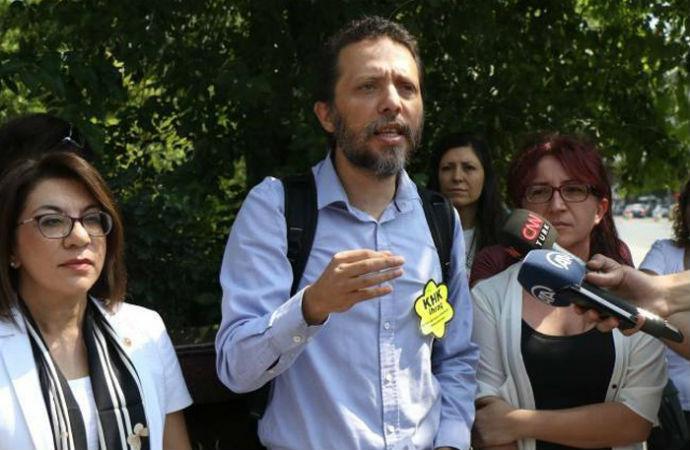 Barış bildirisi imzacısı Cenk Yiğiter: Terörist değilmişiz