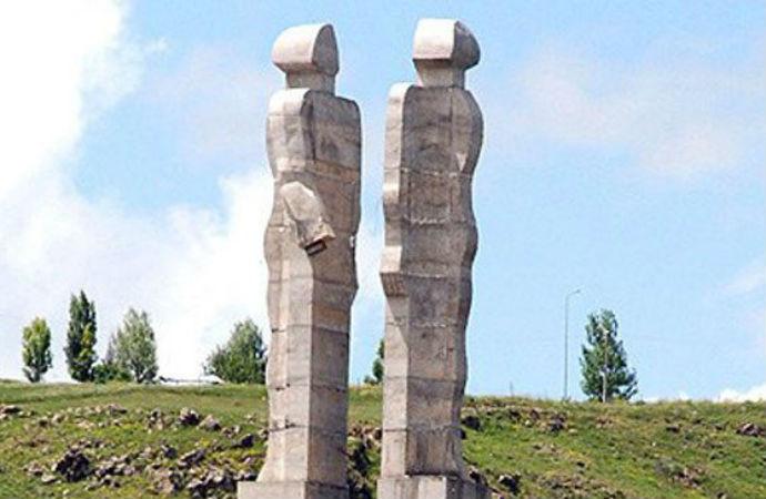 Heykeltıraş Mehmet Aksoy: Yeni heykelim barışı, şehitlerin çığlığını anlatacak