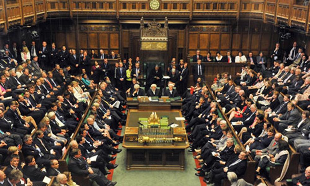 İngiltere'de 8 bakan istifa etti, 6 bakan görevden alındı