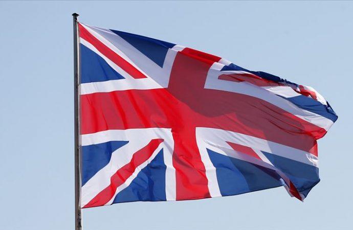 İngiltere'de sular durulmuyor: Muhalefetin eli kuvvetlendi