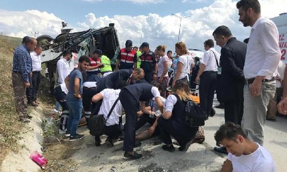 İstanbul'da minibüs kazası! Çok sayıda yaralı var
